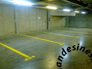 06112015007 1 300x225 خط کشی پارکینگ های بزرگ و کوچک بصورت تخصصی