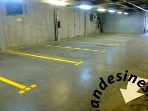 06112015008 1 300x225 - خط-کشی-پارکینگ-اپوکسی